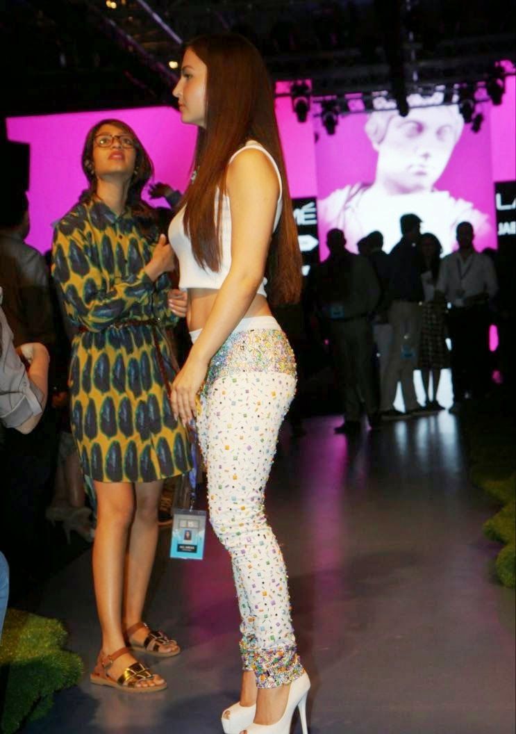 Bollywood Actresses at Satya Paul Show at LFW Summer Resort 2015 Photos