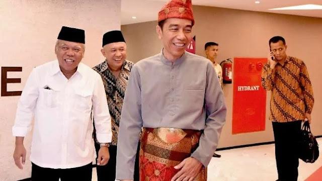 Jokowi Dapat Gelar Raja Balaq Mangku Negara, Ini Maknanya