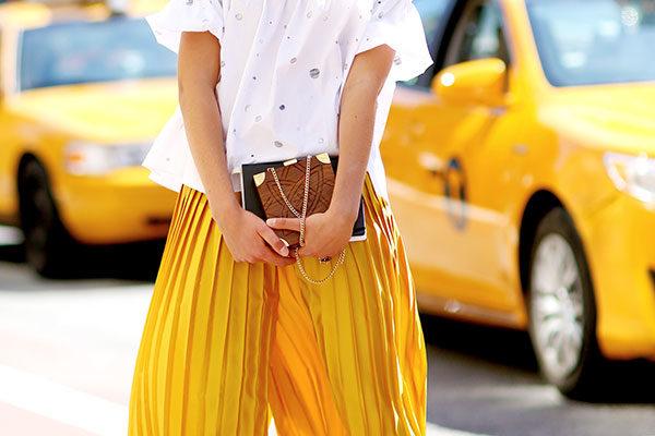 Resultado de imagem para amarelo street style