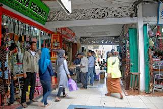 Wisata Pasar Intan Martapura
