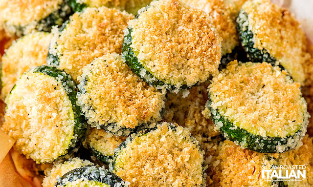 baked zucchini rounds covered in panko breadcrumbs