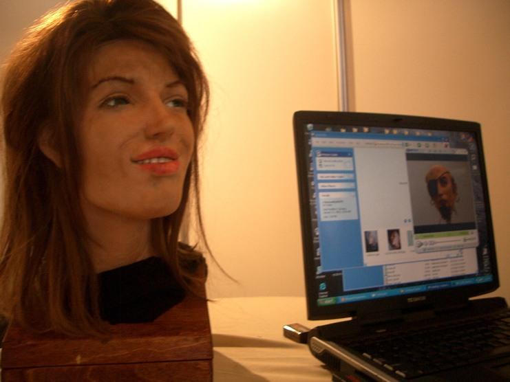 deteksi wajah samsung s8 bisa diakali dengan foto