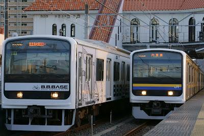 209系2200番台とB.B.BASE 209系2100番台