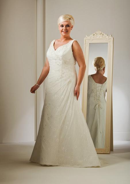 XXL Brautmode für mollige Braut