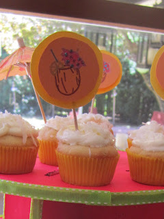 Coconut cupcakes - cupcakes - cupcake - Tropical cupcakes - Hawaiian cupcakes