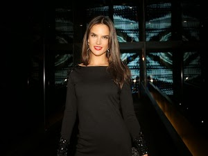Alessandra Ambrosio signed autographs at the launch of the magazine