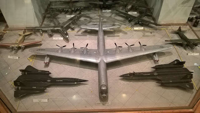 Maket TF-12A 1964 ve B-36 H Peace Maker. İstanbul Havacılık Müzesi