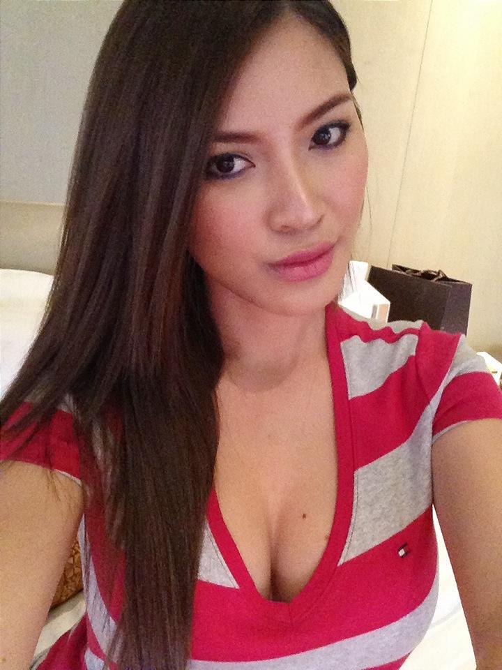 nathalie hayashi sexy cleavage pics 03