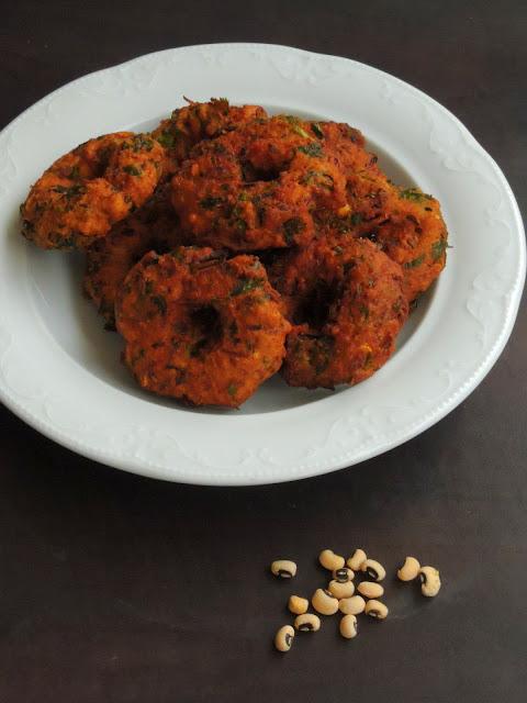 Keerai Karamani Vadai, Black-eyed peas Vadai
