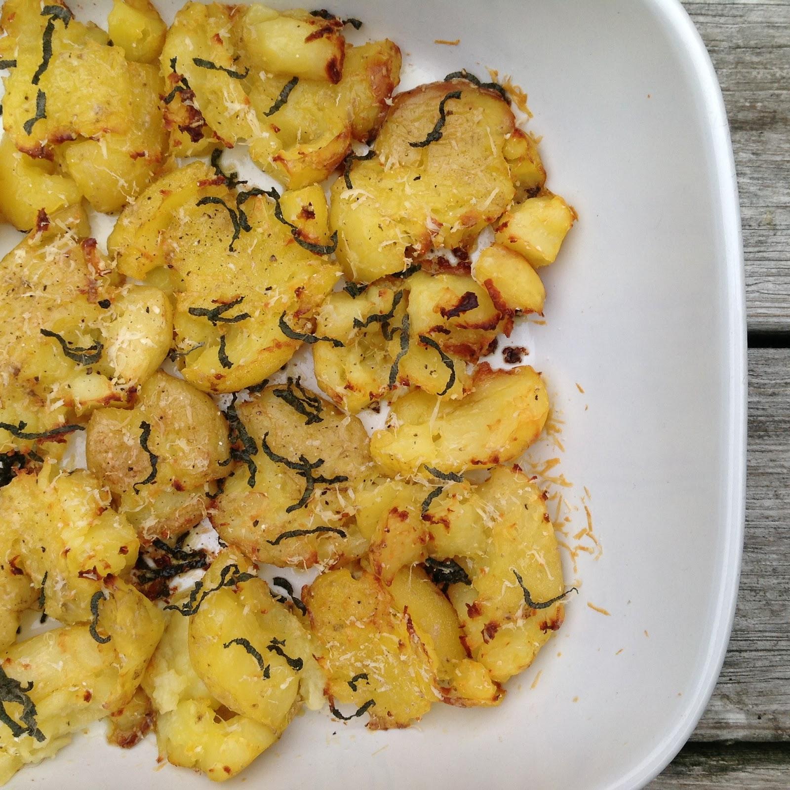 Evas Køkken: Knuste kartofler med parmesan og salvie