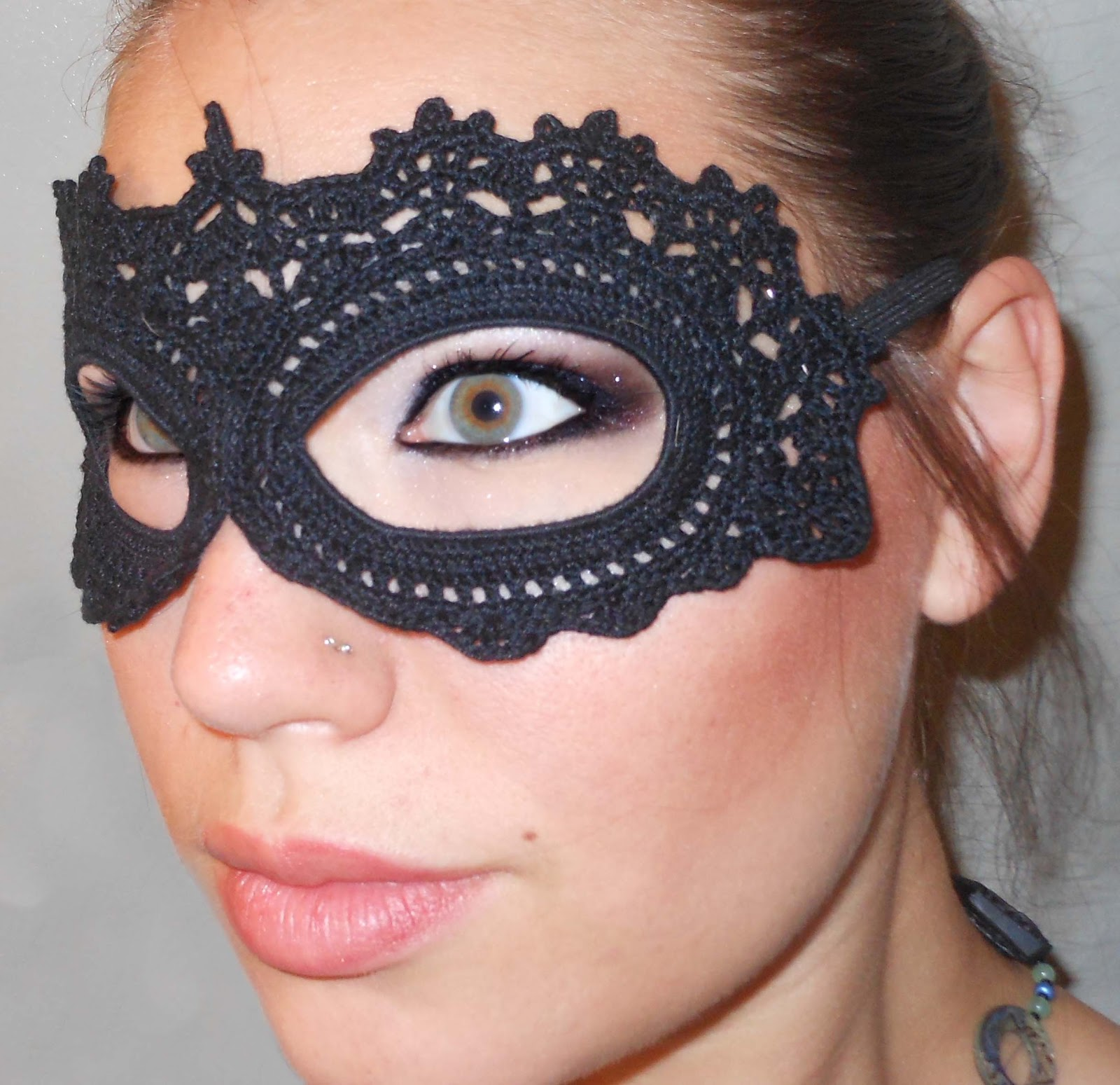 craft disasters and other atrocities crochet lace masquerade mask