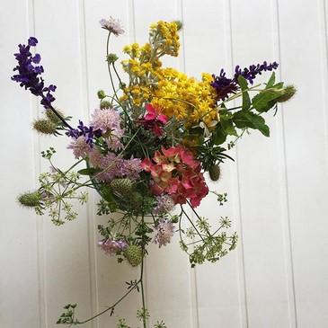 Flores del jardín al jarrón