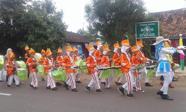 Foto Kirab Peringatan Hari Santri Nasional di Wonotunggal Batang