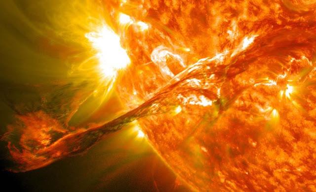 Một đợt bùng nổ năng lượng trên Mặt Trời vào ngày 31/8/2012. Credit: NASA.