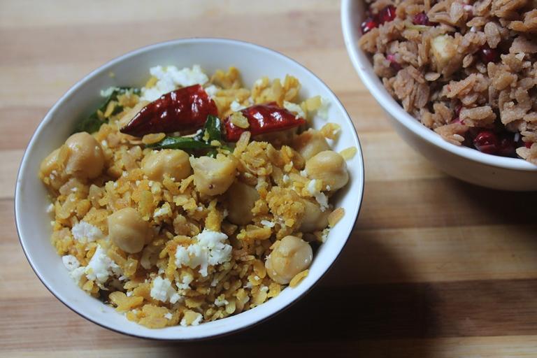 Poha Sundal Recipe - Aval Sundal Recipe - Poha Chana Sundal
