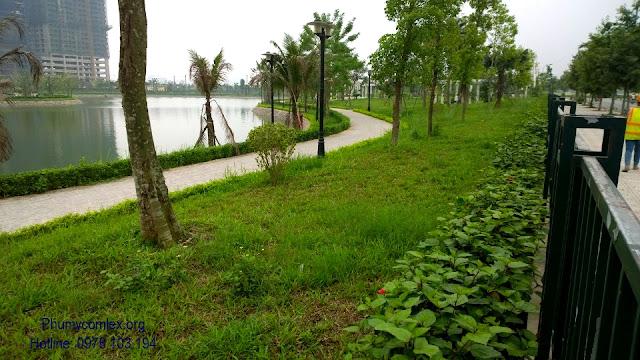 Công viên cây xanh và hồ điều hòa tại Ngoại giao đoàn