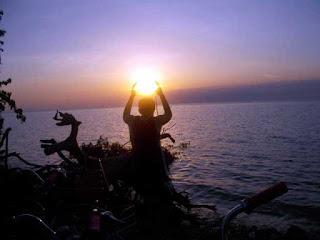 Suasana Sunset di Tanjungan Barat Pulau Tidung