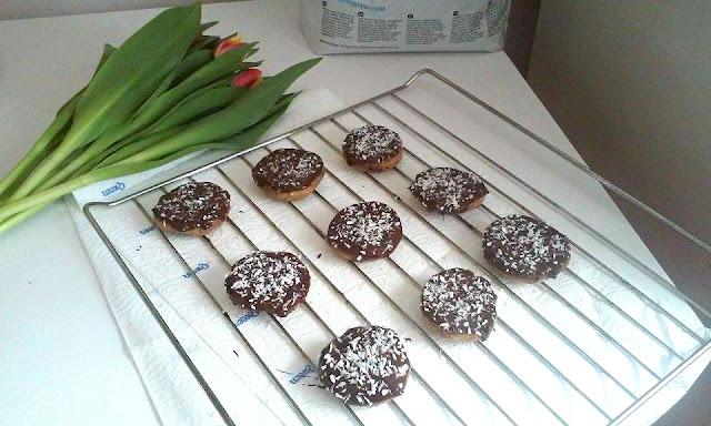 Kokosowo-czekoladowe ciastki bez cukru i mąki!