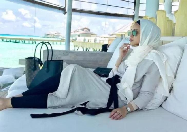 Sewa Villa RM77K Semalam Di Maldives, Netizen Kecam Hanis Zalikha 'Berlagak Kaya'