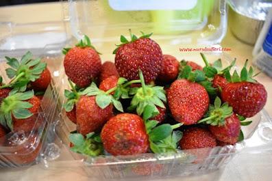 buah strawberry resep no bake strawberry cheese cake heavenly blush greek yogurt nurul sufitri