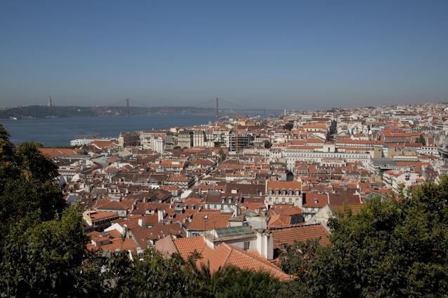 Miradouro di Santa Luzia-Lisbona