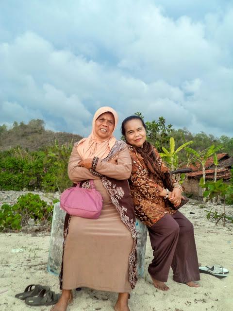 Iyang Rati dan Nyonya Amini