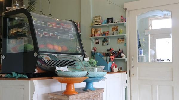 cat cafe, cat cafe ubud, cafe di ubud, cafe murah di ubud, cafe unik di ubud, cafe enak di ubud, cafe terkenal di ubud, kuliner di ubud,