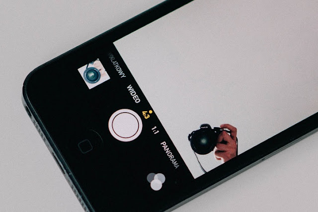 Iphone_Camera_Interface Be informed How To Flip Your iPhone Into A Tough Skilled Digital camera Apps News