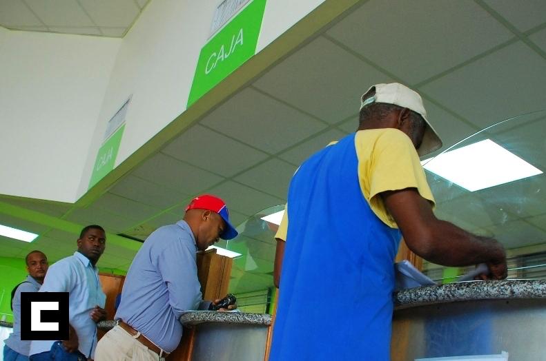Emiten decreto elimina pago de anticipo a pequeños contribuyentes