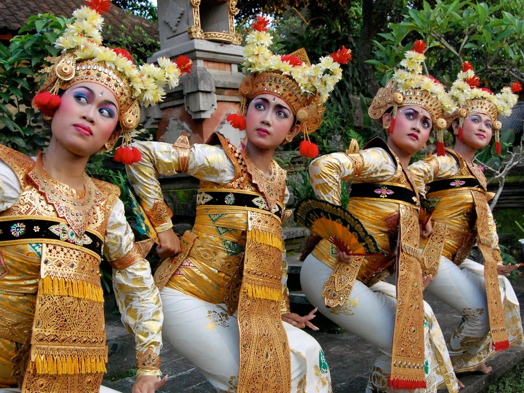 When you lot see the isle of Bali alongside a grouping that consists of to a greater extent than than  BaliHoneymoon; Welcome Dance from Bali