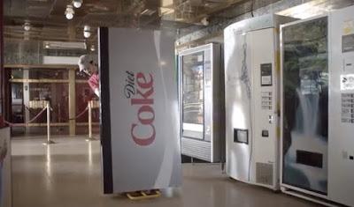 Slender Vender : Mesin Jualan Minuman Ringan Paling Nipis Di Dunia Dari Coca-Cola