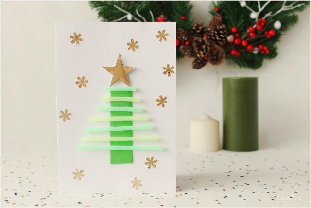postal-navidad-diy-materiales-reciclados-abeto-cañitas