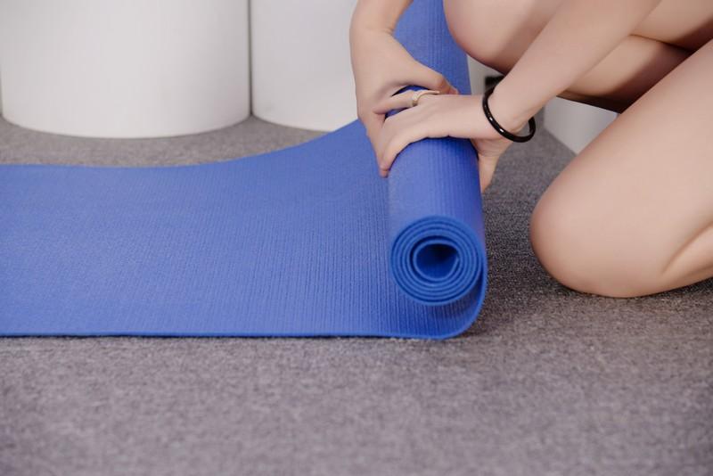 Cách làm sạch thảm tập Yoga hiệu quả