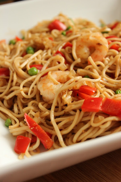 Pan-Seared Shrimp and Vegetable Chow Mein Noodles
