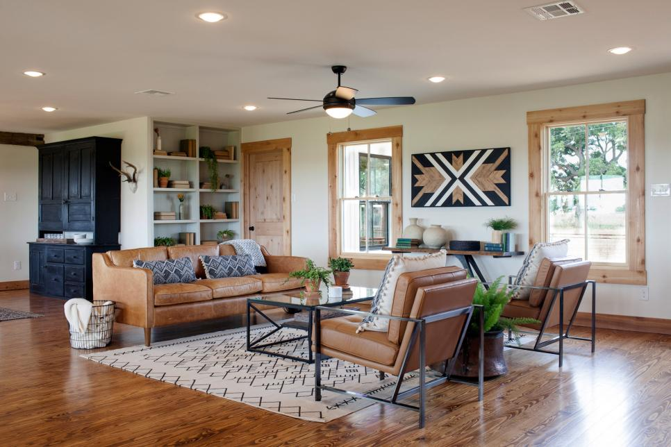 Mackenzie pages fixer upper on hgtv and how to get the look for Upper living room designs