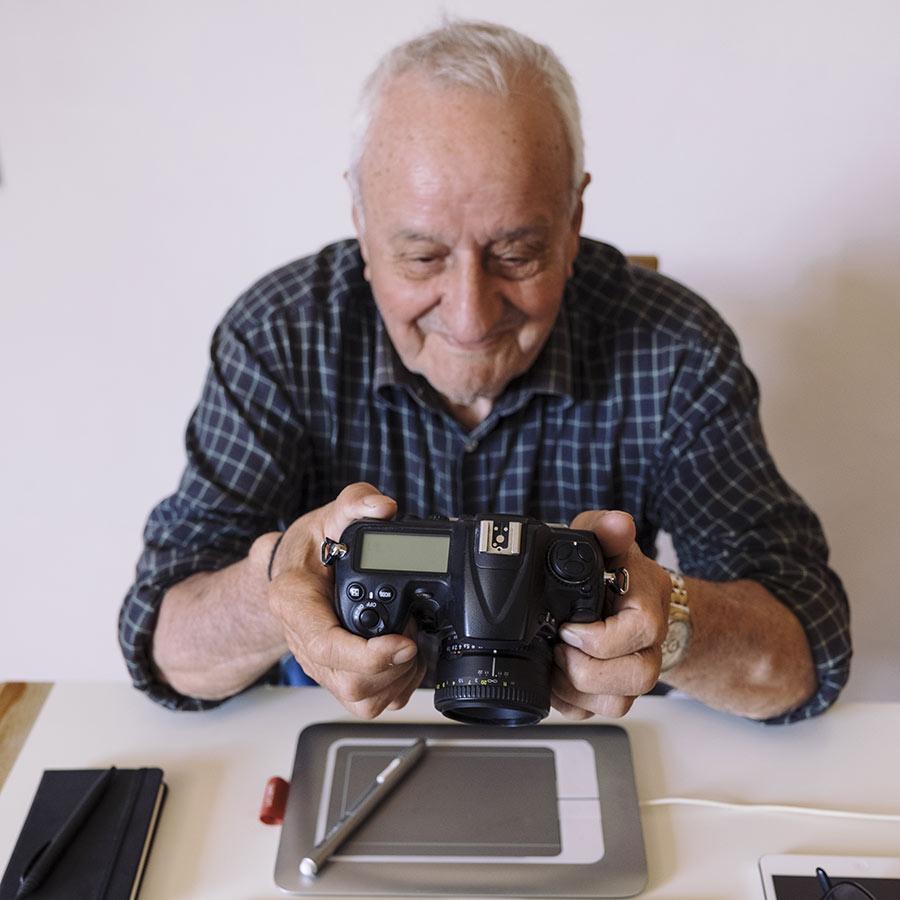Fathers Day Gift Idea Bluetooth Camera