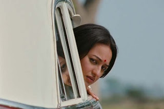 Sonakshi Sinha as Pakhi in Lootera, Taxi Scene, takes her head out of the taxi, Directed by Vikramaditya Motwane