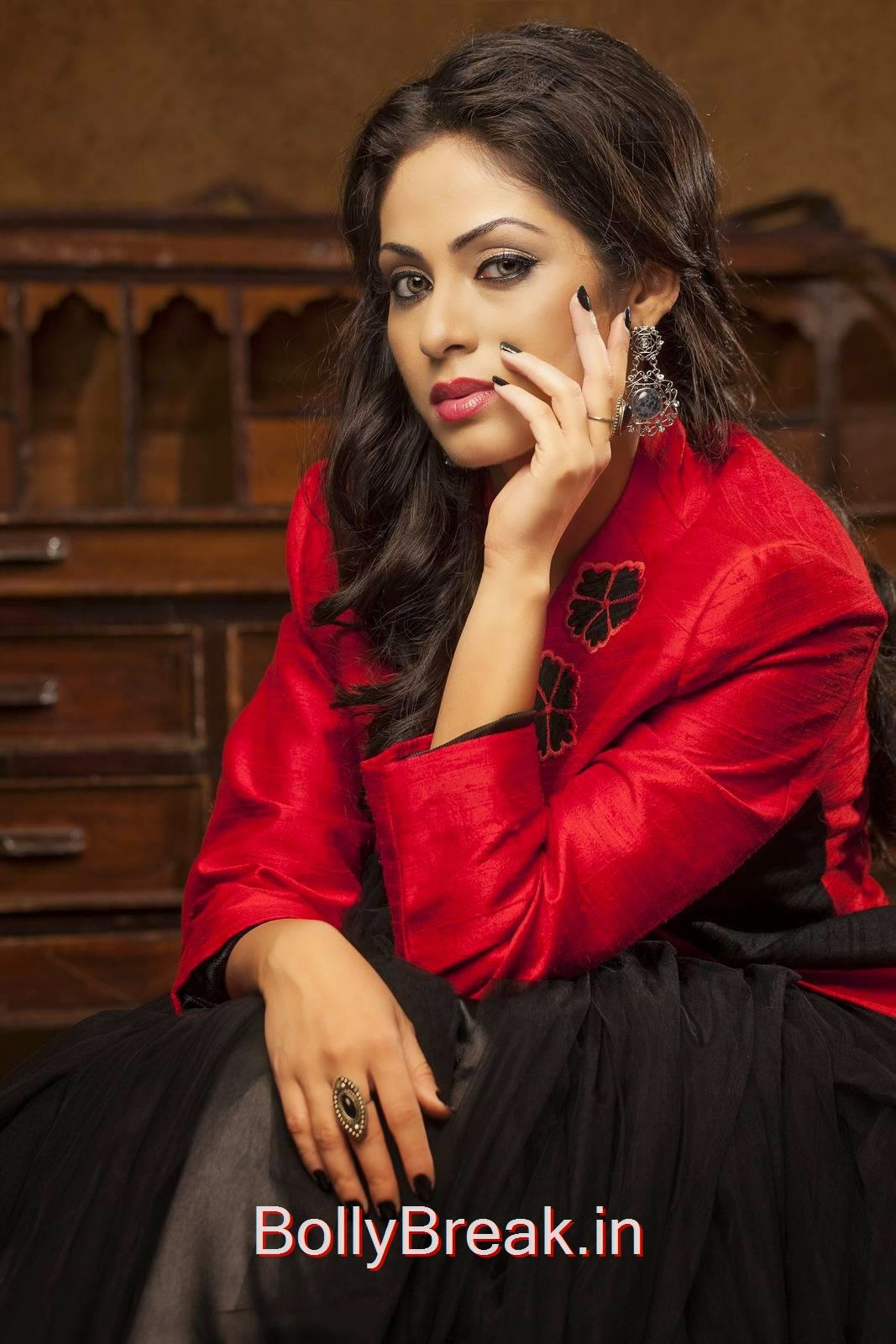 Telugu Actress Sada, Hot HD Images Of Sada In Red & Black Dress