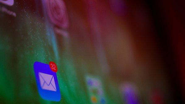 آبل تصدر تحديثاً أمنياً لإغلاق ثغرة في iMessage