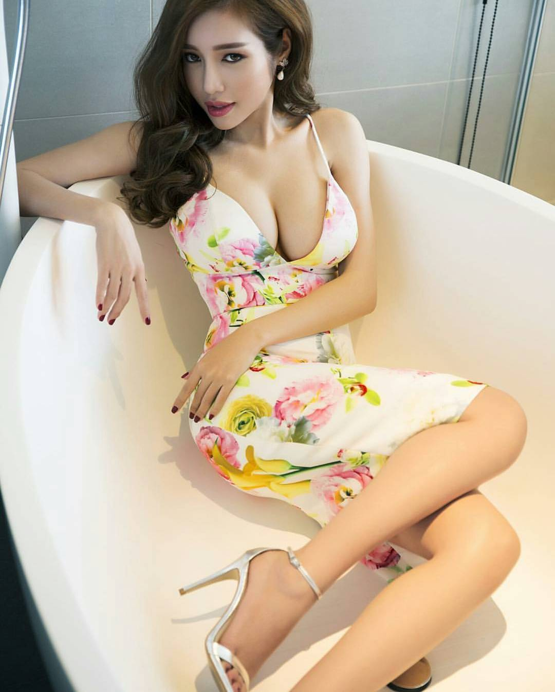 Viet nam sexy girl, eminem with a naked girl