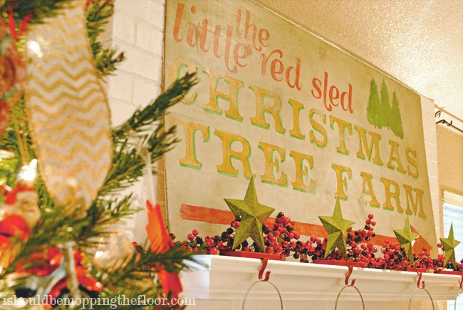 DIY Vintage Christmas Holiday Sign