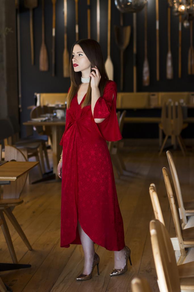 adina nanes classy in red