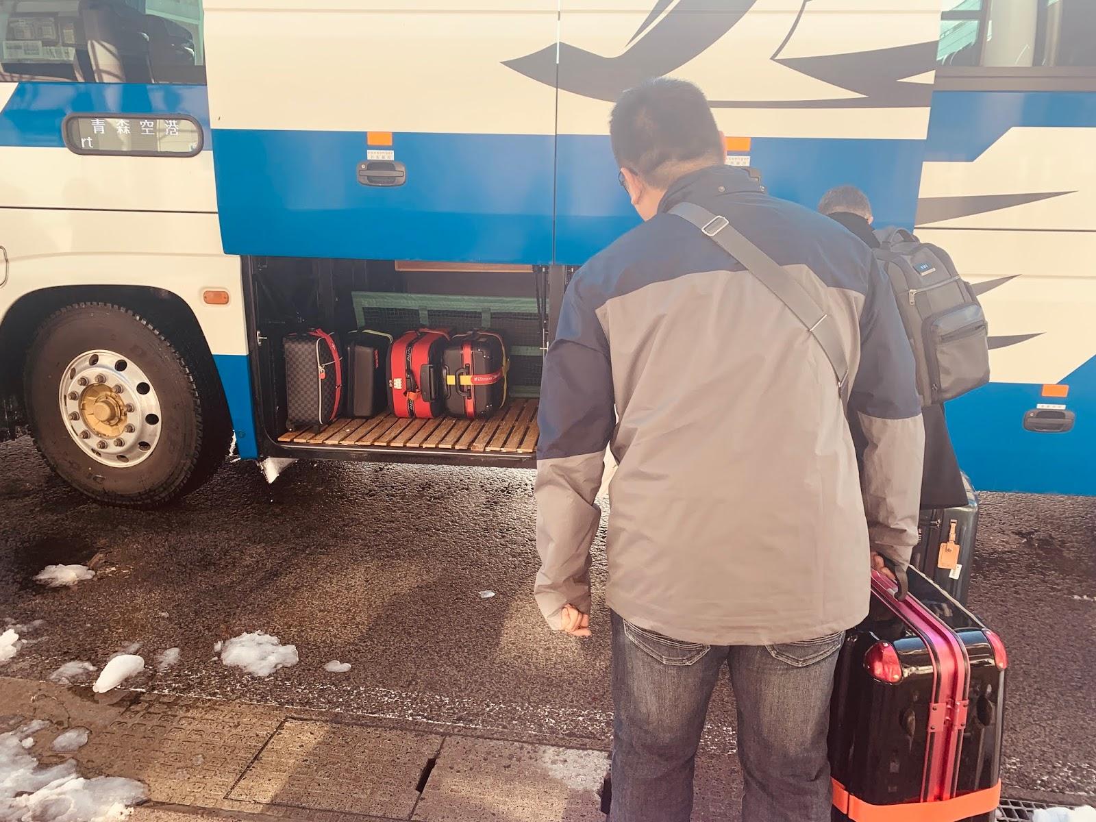 青森車站往青森空港的巴士