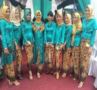 Model Baju Kebaya Seragam Keluarga Untuk Pesta Pernikahan