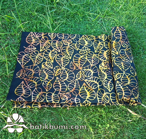Batik Cap Smoke Motif Daun Sirih Hitam Gold