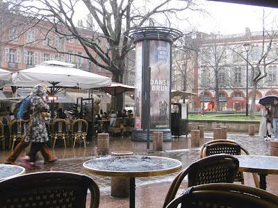 Pluie place saint georges, toulouse, malooka