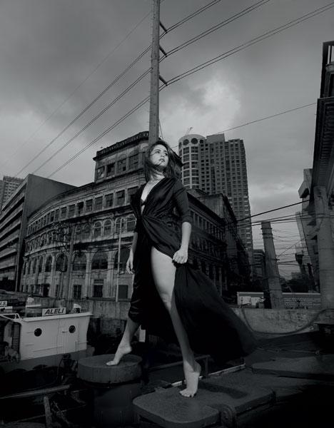 Jessy Mendiola black bra and dress