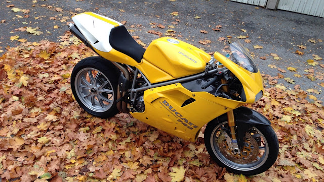 Ducati 748SP HD Wallpaper