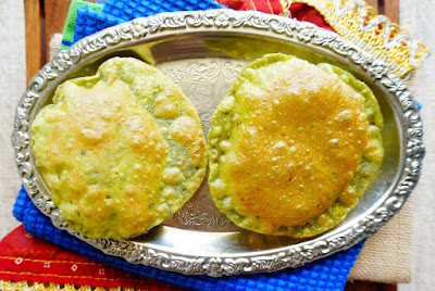 Spinach puri, palak puri,poori,Indian recipes,aloo puri