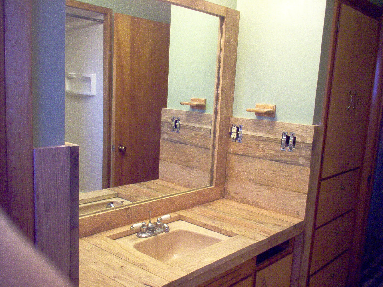 Redo Redux: Revisiting Past Projects: Pallet Wood Redo In ...